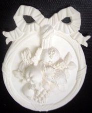 médaillon, ornement ,bas relief,fronton,fruits,moulage,staff,plâtre,décoration,art