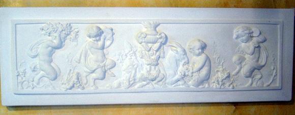 bas relief fronton staff plâtre enfants faunes moulage art déco