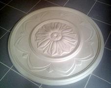 rosace staff plâtre plafond déco moulage ornement art